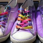 Jesienne trendy – obszerne i kolorowe płaszcze